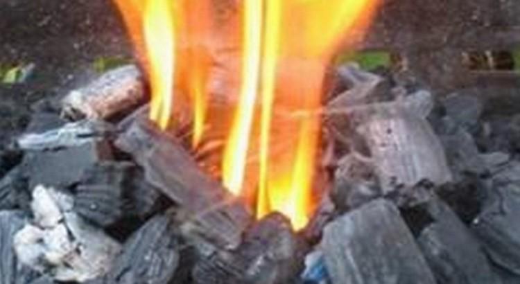 Allumage barbecue methode du puits entete