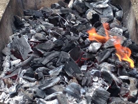 Allumage du Barbecue de belles braises