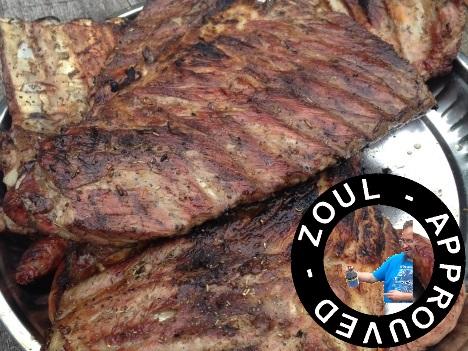 Allumage du barbecue ils sont magnifiques les travers de porc zoul approuved