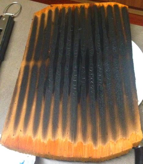Planche de cèdre rouge au barbecue Weber