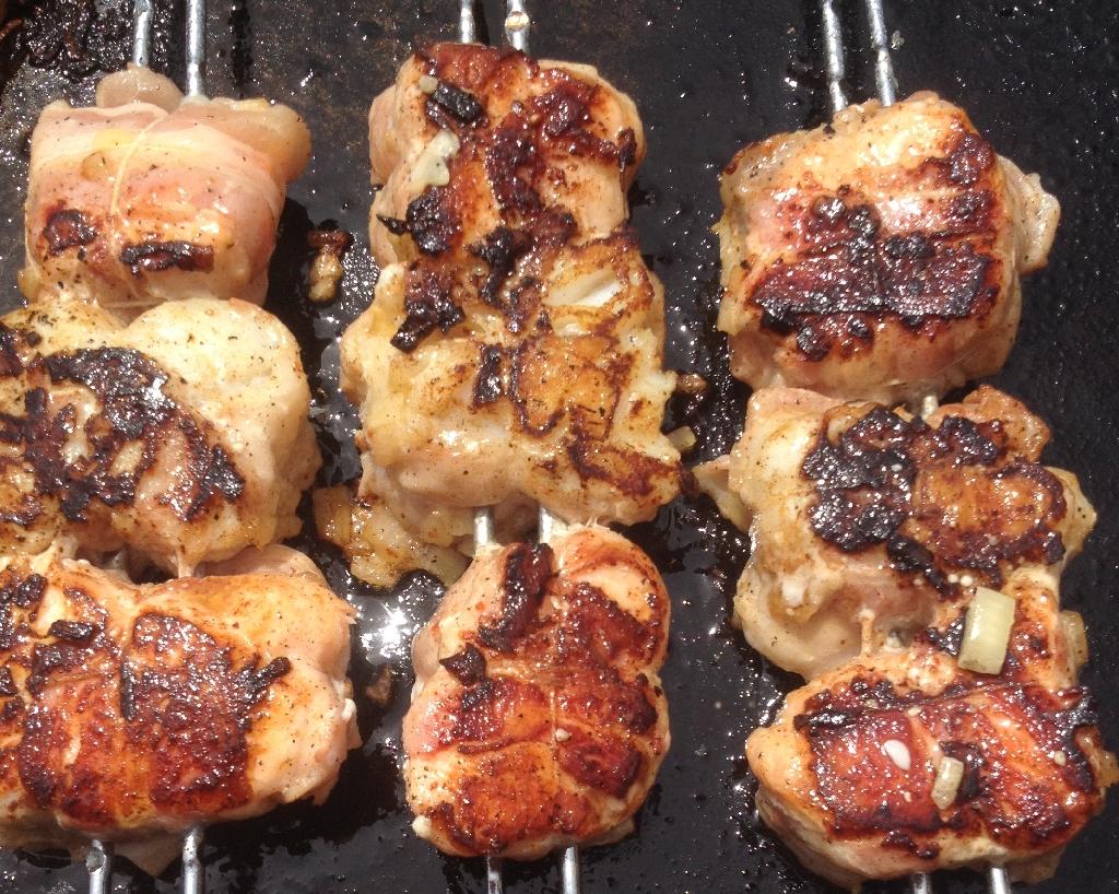 Saumon et Cabillaud lardés et marinés a la plancha