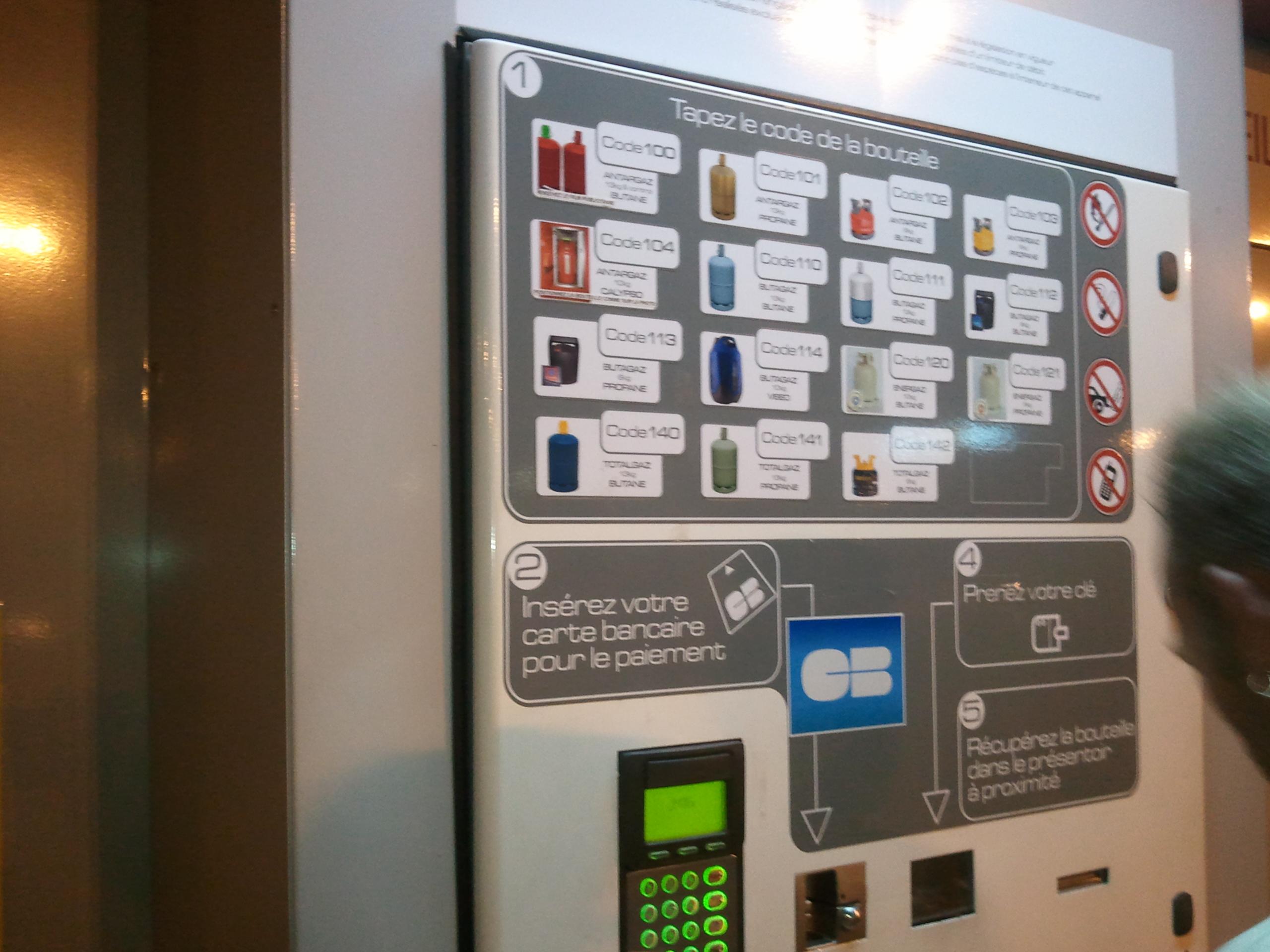 Distributeur bouteilles de gaz 24h 24h par cb grilladeur - Distributeur de bouteille de gaz automatique ...